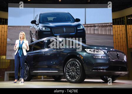 New York, NY, USA. 17th Apr, 2019. Joy Falotico, 2020 Lincoln Corsair in attendance for New York International Auto Show - WED, Jacob K. Javits Convention Center, New York, NY April 17, 2019. Credit: Kristin Callahan/Everett Collection/Alamy Live News - Stock Image
