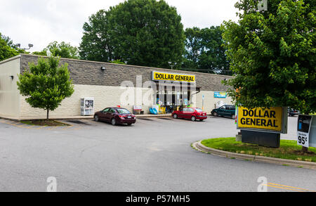 CATAWBA, NC, USA-22 JUNE 18:  Dollar General is an American chain of 16,500 variety stores, headquartered in Goodlettsville, Tennessee. - Stock Image