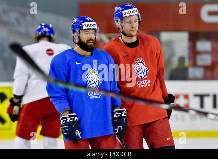 Bratislava, Slovakia. 15th May, 2019. Czech players L-R Milan Gulas and Radek Faksa attend a training session of the Czech national team within the 2019 IIHF World Championship in Bratislava, Slovakia, on May 15, 2019, one day prior to the match against Latvia. Credit: Vit Simanek/CTK Photo/Alamy Live News - Stock Image