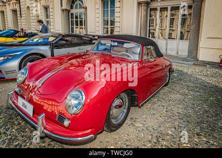 Piedmont Turin - Turin auto show 2019  - Valentino park - Valentino castle - Porche 356 - Stock Image