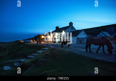 Warren House Inn on Dartmoor Devon England UK May 2019 The Warren House Inn is a remote and isolated public house in the heart of Dartmoor, Devon, Eng - Stock Image