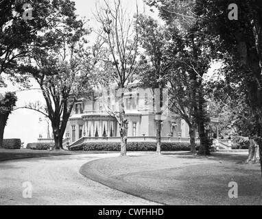 Beaubien, the home of General and Mrs Cornelius Vanderbilt, Newport, Rhode Island, July, 1940 - Stock Image