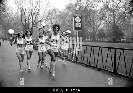 Humour/Unusual/Sport. Charity Pancake Race. Lincoln's Inn Fields. February 1975 75-00807-007 - Stock Image
