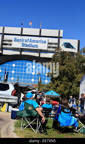 Bank of America stadium, Charlotte, North Carolina. Carolina Panther's fans tailgating. - Stock Image