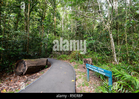 Direction sign in Hypipamee National Park, a World Heritage tropical rainforest, Atherton Tableland,  Far North Queensland, FNQ, QLD, Australia - Stock Image