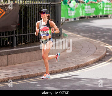 Rebecca  Wade competing for the USA, in the 2018  Women's Elite London Marathon. She went on to finish 11th, in a time of 02:35:01 - Stock Image