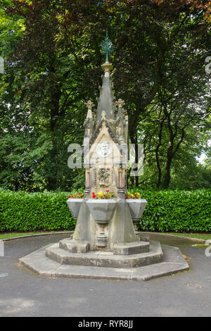 George Charlton Memorial drinking fountain in Saltwell Park, Gateshead, Tyne and Wear.  The memorial dates from 1876, commemorating the life of George - Stock Image
