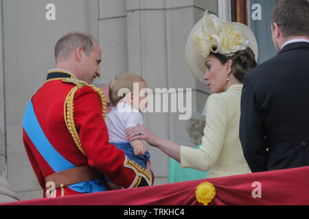 London, UK. 08th June, 2019. One year old Prince Louis steals the show on his debut public engagement.Appearing on the Buckingham Palace balcony, with his parents, TRH The Duke and Duck=hess of Cambridge, and his siblings, Prince George and Princess Charlotte. Trooping the Colour, The Queen's Birthday Parade, London, UK Credit: amanda rose/Alamy Live News - Stock Image