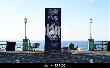 Brighton, UK. 26th Jan, 2019. The Kiss Wall by artist Bruce Williams on Brighton seafront as the unusually warm sunny weather continues throughout Britain with some areas forecast to reach over 20 degrees centigrade again Credit: Simon Dack/Alamy Live News - Stock Image