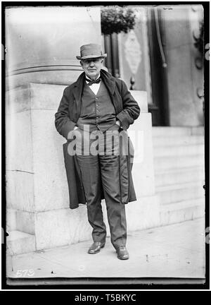 Thomas Edison (1847-1931), full length portrait, 1911 - Stock Image