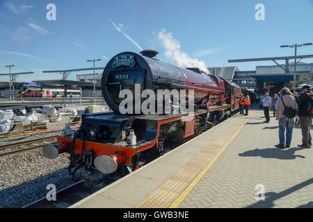 "Stanier 4-6-2 - Princess Royal Class No 6201 ""Princess Elizabeth"" at Reading Station -1 - Stock Image"