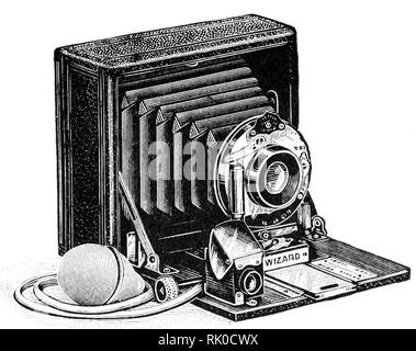 Vintage old photographic plate camera - this was named The Wizard.  These antique cameras used glass plates to produce the negative. - Stock Image