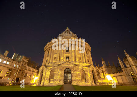 Starry night sky behind the Radcliffe Camera - Stock Image