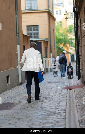 Stockholm, Sweden, September 9, 2018. Swedish Academy crisis. The Swedish Academy has its Thursday meeting after leave.   Horace Engdahl,  member of the Swedish Academy, arrives but changed his mind and left. Credit: Barbro Bergfeldt/Alamy Live News - Stock Image
