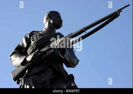 sculpture scottish scotalnd soldier highlander stirling - Stock Image