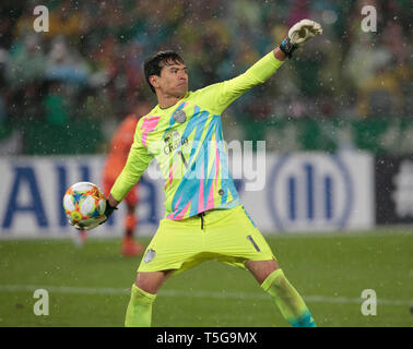 Beijing, China. 24th Apr, 2019. Buriram United's goalkeeper Siwarak Tedsungnoen throws the ball during the group G match between China's Beijing Guoan FC and Thailand's Buriram United at the 2019 AFC Champions League in Beijing, capital of China, April 24, 2019. Credit: Ding Xu/Xinhua/Alamy Live News - Stock Image