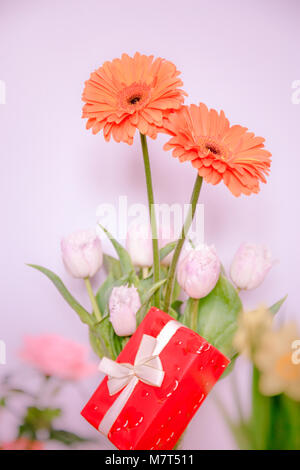 Beautiful bunch of amazing flower and exclusive present - Stock Image