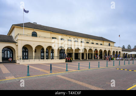 Bondi Surf Pavilion (1928-1929) contains changing rooms and is also a community centre at Bondi Beach, Sydney, Australia. - Stock Image