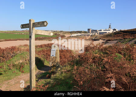 Coastal path signpost at junction with public footpath to Geevor Tin Mine. Pendeen, Cornwall, England, UK, Britain - Stock Image