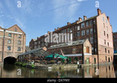 converted warehouses, canal basin, Nottingham, England, UK - Stock Image