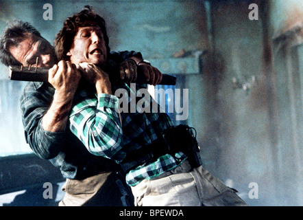 TOMMY LEE JONES & JEFF BRIDGES BLOWN AWAY (1994) - Stock Image
