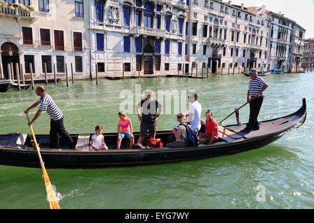 Venice, Italy. Traghetto (ferry gondola) crossing the Grand Canal. - Stock Image