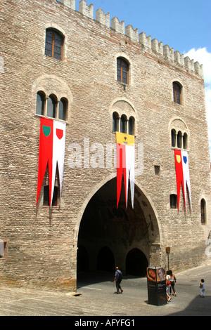 the famous  arch at the Palazzo del Podesta and Fontana Maggiore in historic Fabriano, - Stock Image