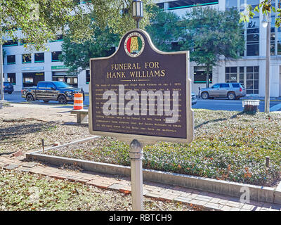 Historical marker or memorial describing Hank Williams funeral in 1953 in the city of Montgomery Alabama, USA. - Stock Image