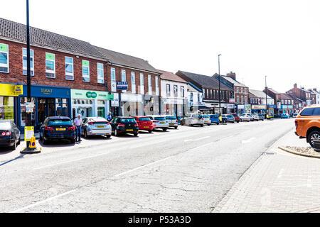 Northallerton town centre, Northallerton town centre Yorkshire UK, Northallerton high street Yorkshire, Northallerton Yorkshire town, UK high street, - Stock Image