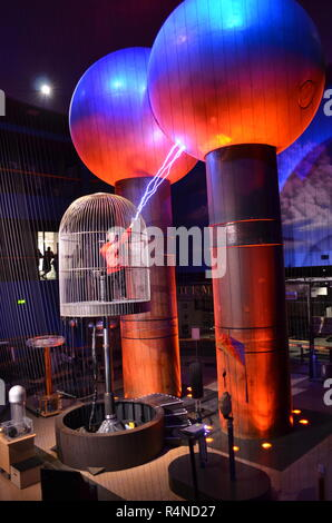 World's largest air-insulated 2 million volt Van Der Graaff generator at Boston Museum of Science - Stock Image