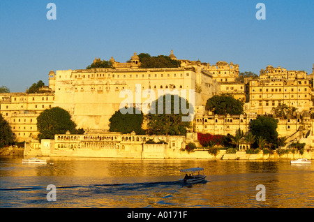 Udaipur City, Lake Pichola, Rajasthan, India at Sunset - Stock Image