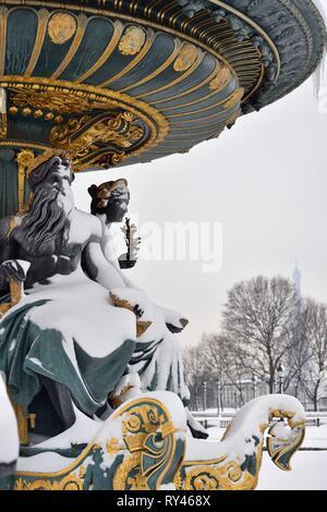 France, Paris, Place de la Concorde, Fountain of the Rivers in winter - Stock Image