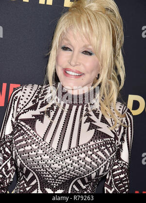 DOLLY PARTON US singer and film actress  at the Premiere Of Netflix's 'Dumplin'' at TCL Chinese 6 Theatres on December 6, 2018 in Hollywood, California.  Photo: Jeffrey Mayer - Stock Image