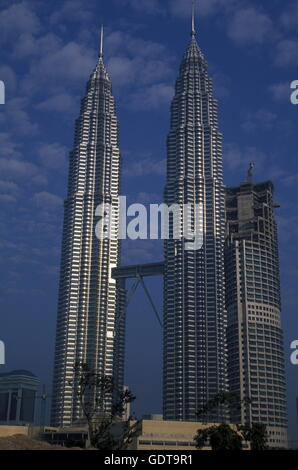 The Petronas Twin Towers in the city of  Kuala Lumpur in Malaysia in southeastasia. - Stock Image