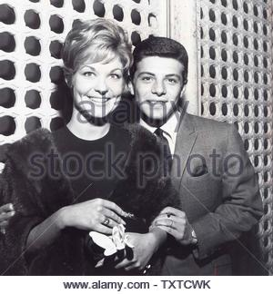 Franke Avalon with Bride Kay Diebel. Credit: 1097118Globe Photos/MediaPunch - Stock Image