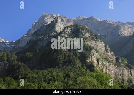 Mount Glaernisch seen from Lake Kloental, Switzerland. - Stock Image