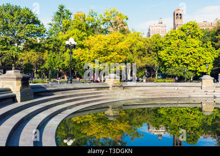 The central fountain pond in Washington Square Park, New York City, New York State, USA. - Stock Image