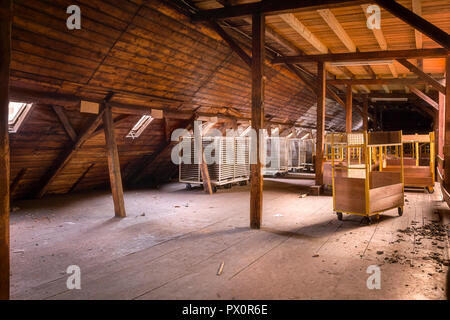 Interior view of the abandoned Waechtersbach factory in Germany. - Stock Image
