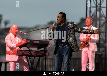 June 15, 2019 - Smokey Robinson and the Miracles perform at the San Diego County Fair. (Credit Image: © Rishi Deka/ZUMA Wire) - Stock Image