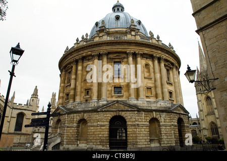 Radcliffe Square, Oxford. Late summer The Radcliffe Camera, part of the Bodleian Library - Stock Image