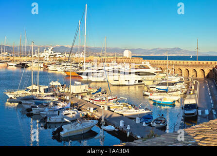 Port Vauban harbor in Antibes panoramic view, Southern France - Stock Image