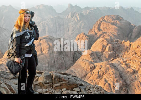 Lady in Mousa Mountain. Saint Catherine. South Sinai. Egypt - Stock Image