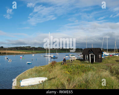 View of Alnmouth showing the old Ferryman's hut. - Stock Image