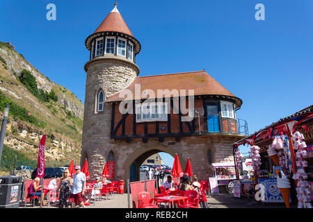 The Old Toll House and Tea Pot Cafe, Marine Drive, Scarborough, North Yorkshire, England, United Kingdom - Stock Image
