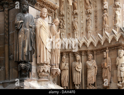 Reims Cathedral Entrance, Marne, Champagne-Ardennes, France. Statues of Simon, John the Baptist, Isaiah, Moses and - Stock Image