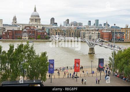 THE MILLENNIUM BRIDGE, THAMES EMBANKMENT, LONDON. AUGUST 2018. The Millennium Footbridge asuspension bridge over the River Thames with St Pauls - Stock Image