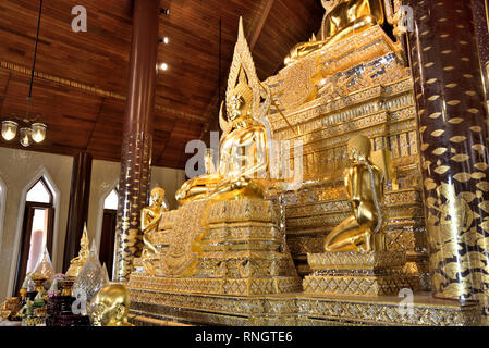 Wat Thamayan - inside the main hall of this stunningly beautiful modern temple in Central Thailand - Stock Image