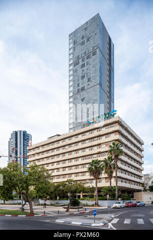 Israel, Tel Aviv - 06 October 2018: Labour Sick Fund Headquarters - Clalit designed by Arieh Sharon and Benjamin Idelson - Stock Image