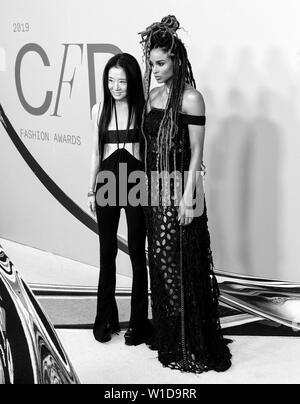 New York, NY - June 03, 2019: Vera Wang and Ciara attend 2019 CFDA Fashion Awards at Brooklyn Museum - Stock Image