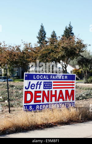Modesto, Stanislaus county, California, USA. 29th October, 2014. A sign promotes congressman Jeff Denham in his - Stock Image